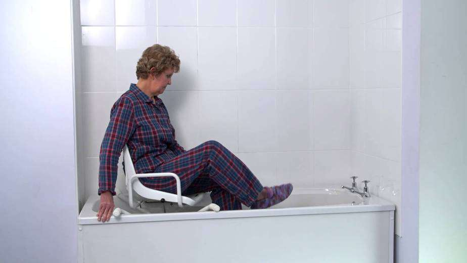 7 Best Shower & Bath Seats and Transfer Benches 2018 - Elderly Care ...