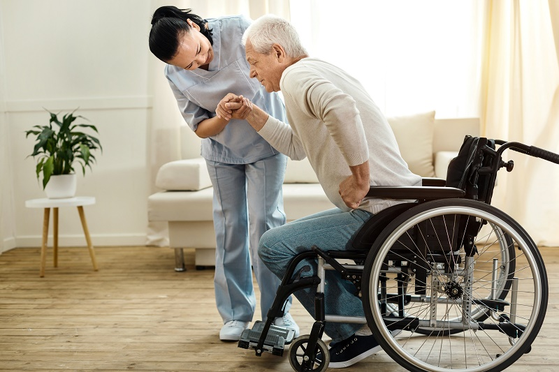 9 Best Standing Aids for Seniors and Disabled