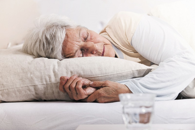 Best Pillows 2020.9 Best Pillows For Stomach And Back Sleepers 2020 Elderly